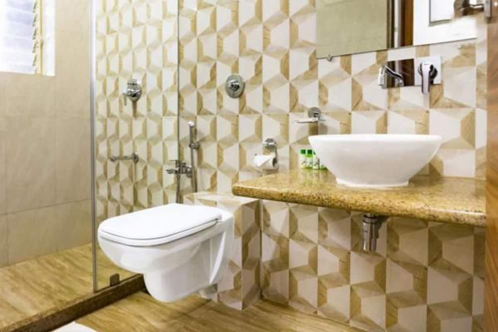 Deluxe Apartment - Bathroom