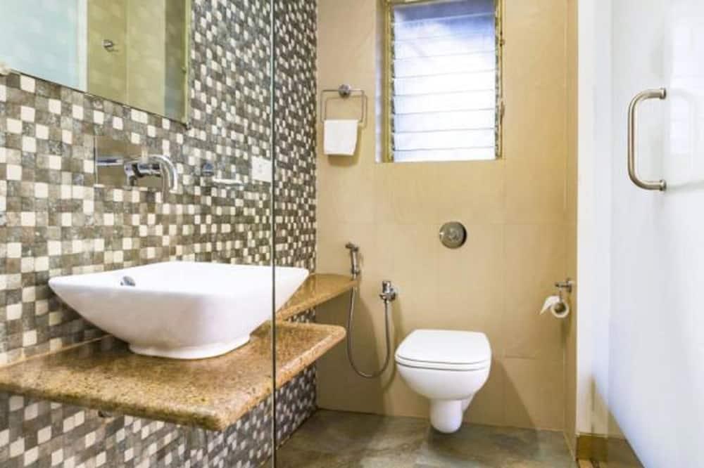 Deluxe Apartment, 2 Bedrooms, Non Smoking - Bathroom
