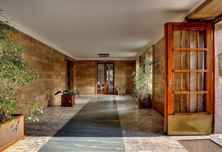 Casa Sotgiu, Róma, Hotel bejárata