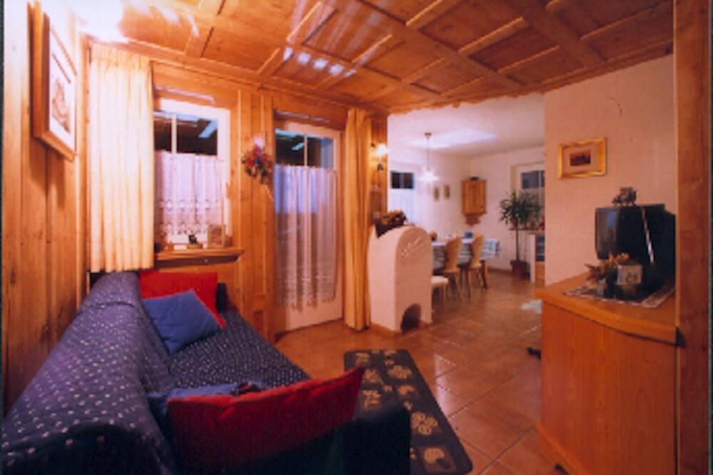 Apartament typu Comfort, 2 sypialnie, 2 łazienki, widok na góry - Salon