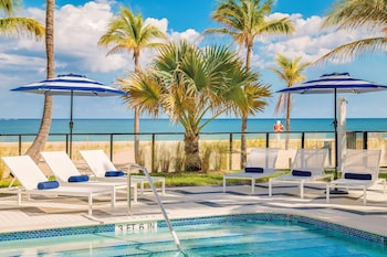 Picture of Plunge Beach Resort in Lauderdale-by-the-Sea