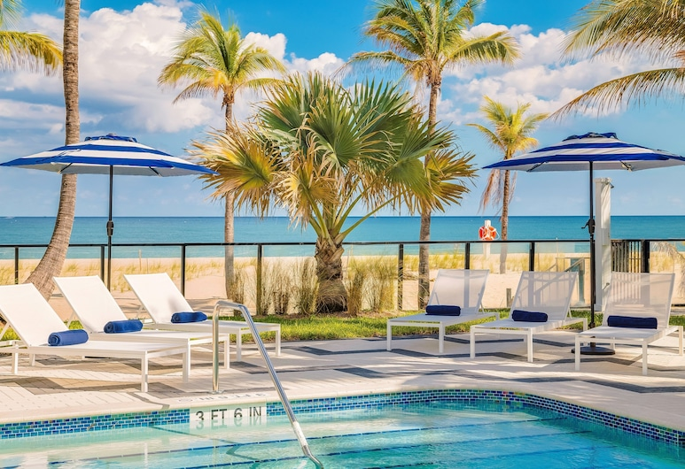 Plunge Beach Resort, Lauderdale-by-the-Sea, Pool