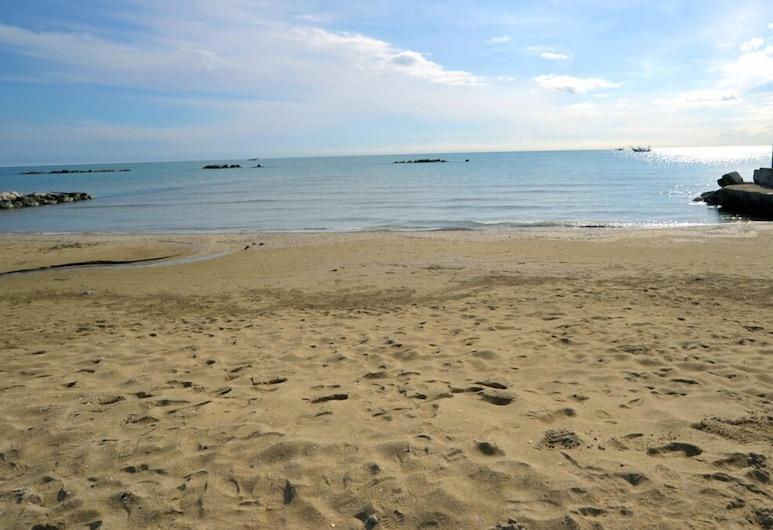 Agriturismo Frontemare, Roseto degli Abruzzi, Beach