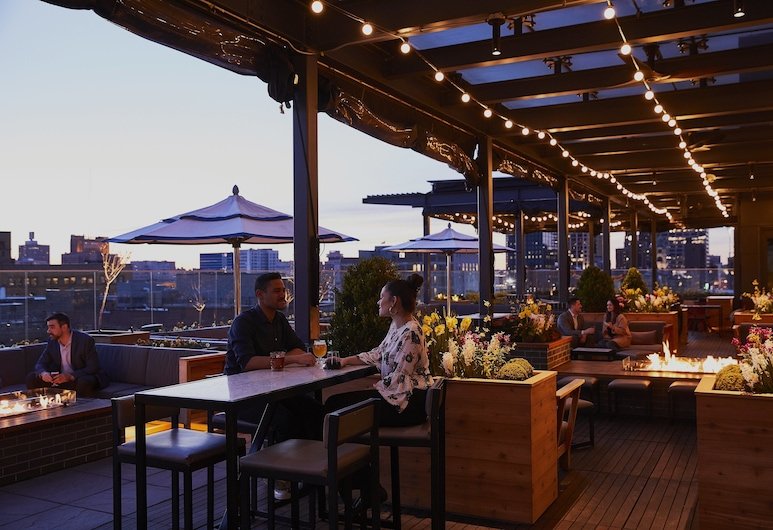 Kimpton Journeyman Hotel, Milwaukee, Restauration en terrasse