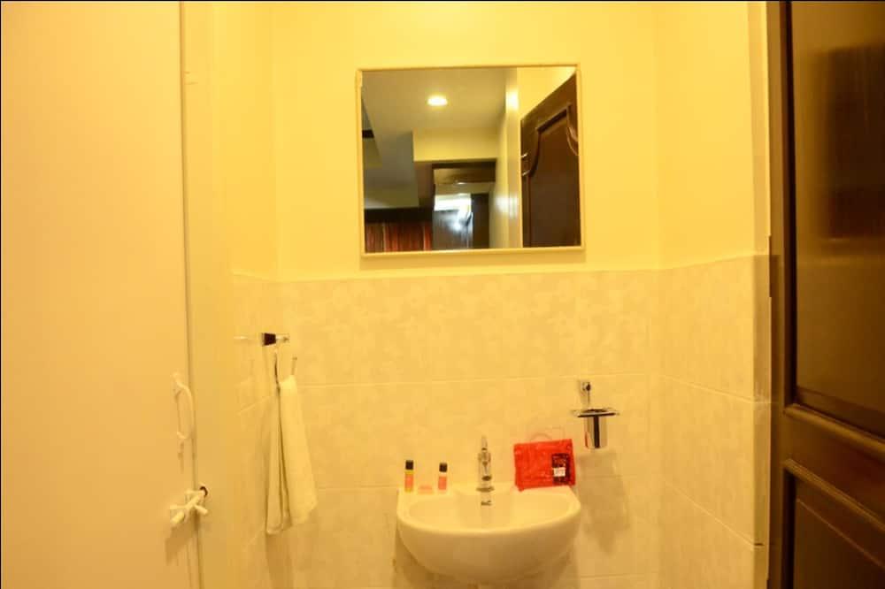 스탠다드 더블룸 또는 트윈룸, 전용 욕실 - 세면대