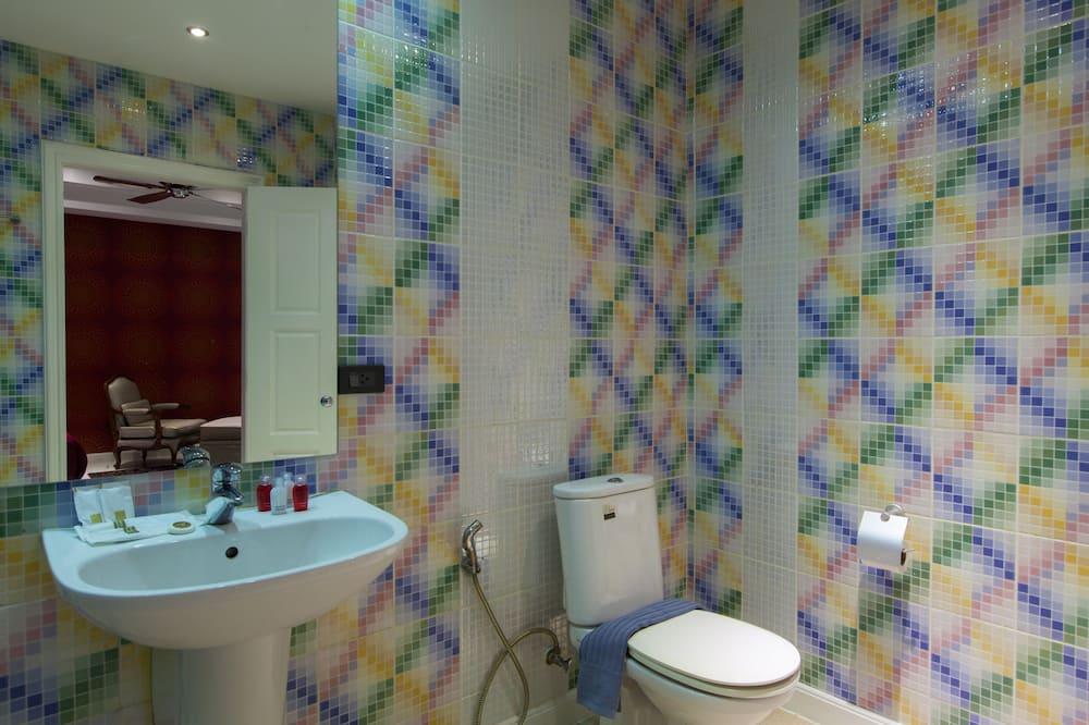 8 Bedrooms Private Pool Villa - Badezimmer