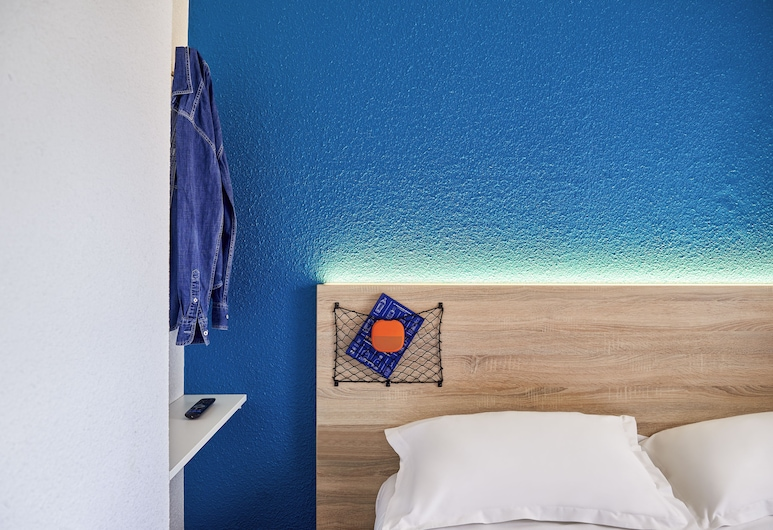 hotelF1 Marseille , Marseille, Cabrio Room with private bathroom - New to #ontheroad, Guest Room