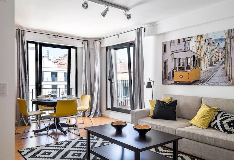 LX4U Apartments - Martim Moniz, Λισσαβώνα, Superior Διαμέρισμα, 2 Υπνοδωμάτια, Βεράντα (Rooftop with Castle View), Καθιστικό