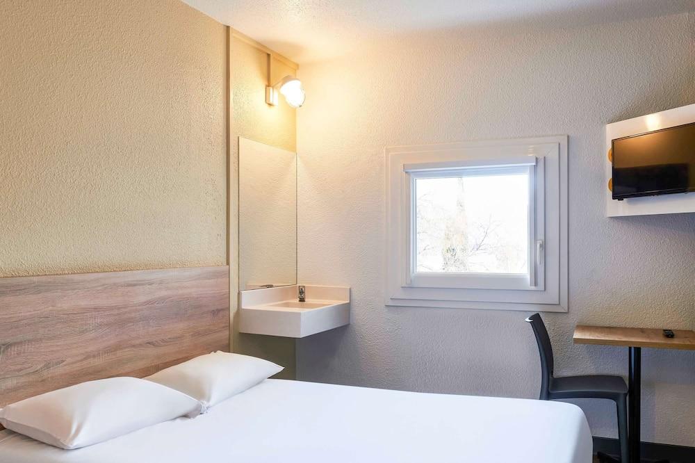Tandem Room for 2 travelers maximum. Les Basiques #ontheroad - Guest Room