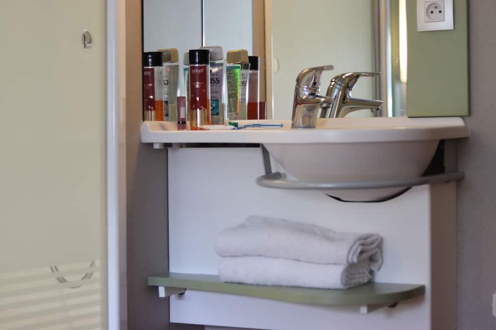 Double Room, 1 Single Bed - Bathroom Sink
