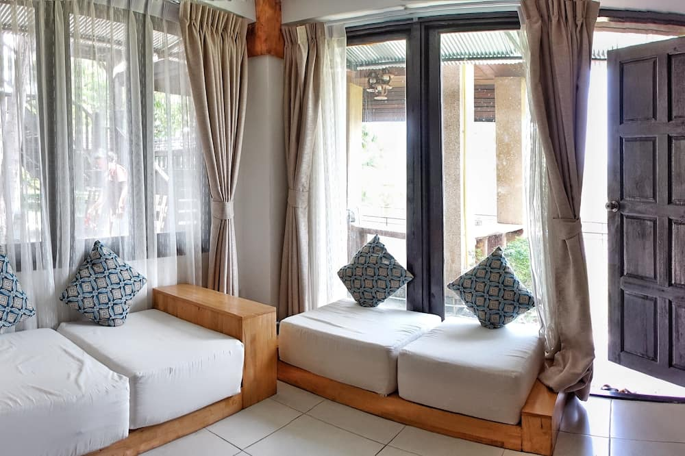 Двомісний номер категорії «Комфорт», 1 спальня, з видом на гори, з виходом в сад - Житлова площа