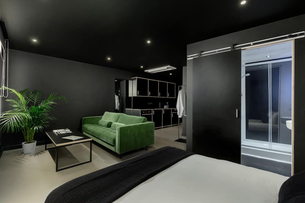 Penthouse, Kitchen - Bathroom