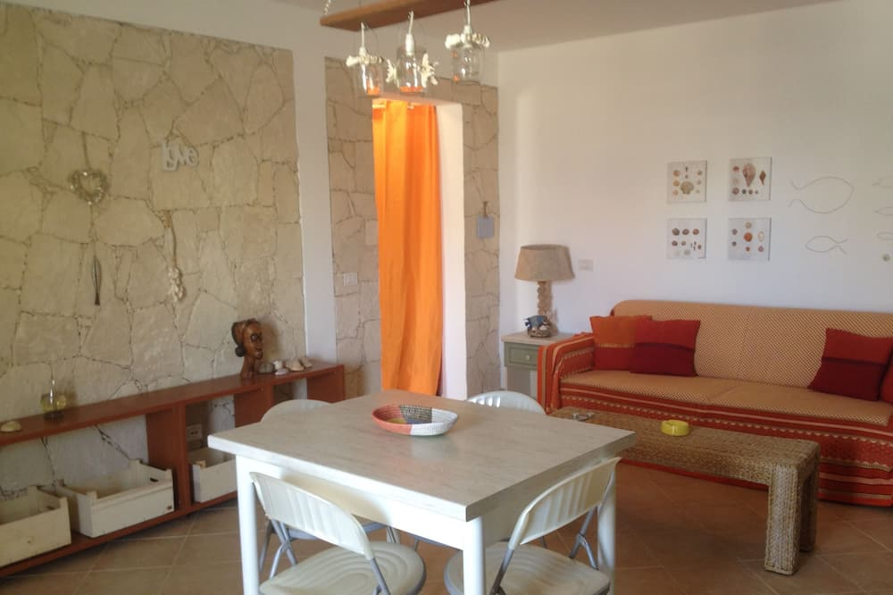 Apartment, 1 Bedroom, Garden View - In-Room Dining