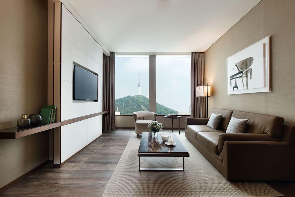 Executive Suite, 1 King Bed, Non Smoking (Executive lounge access) - Living Area