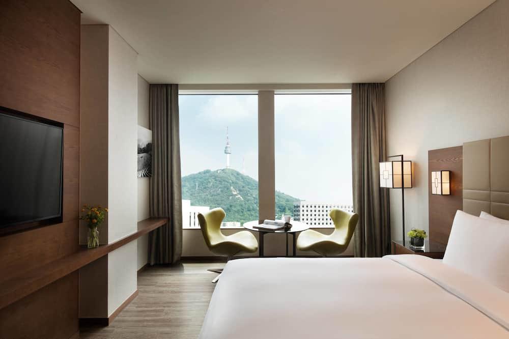 Executive Room, 1 King Bed, Non Smoking (Premier) - Mountain View