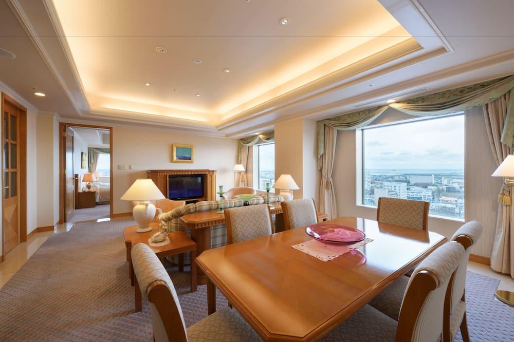 Suite Royale, 2 lits doubles, fumeurs, vue mer - Coin séjour