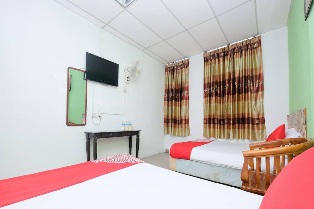 Family Suite, 2 Double Beds - Guest Room