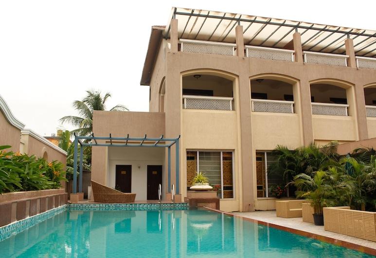 OYO 1533 Resort near Barabati Stadium, קוטאק, בריכה טבעית
