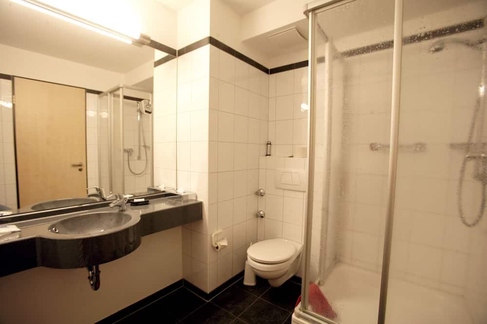 Standard Single Room, Accessible, Non Smoking - Bathroom