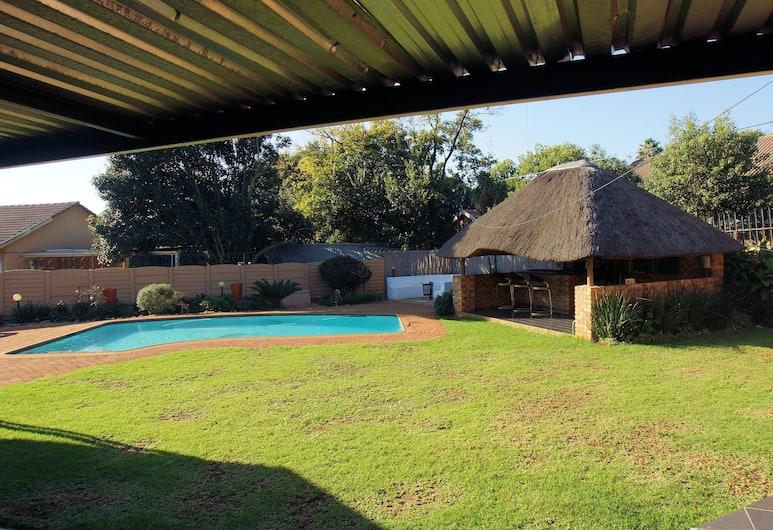Linga Longa Guest House, Kempton Park, Vista giardino