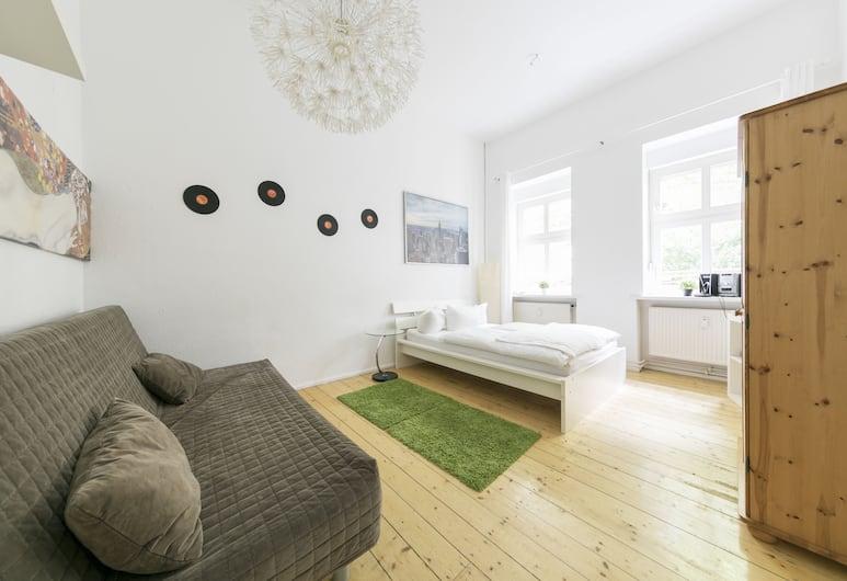 Primeflats - Apartments in Friedrichshain, Berlin, Apartment (Friedrichshain 8), Wohnzimmer