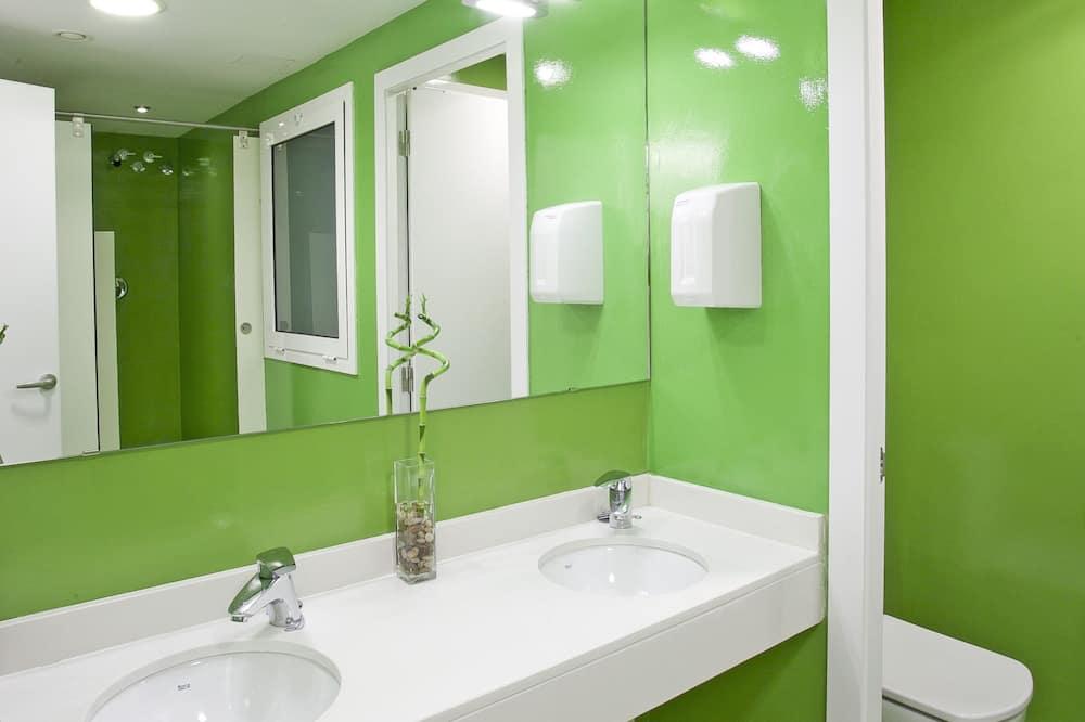 Standard Shared Dormitory, Women only, Shared Bathroom - Bathroom