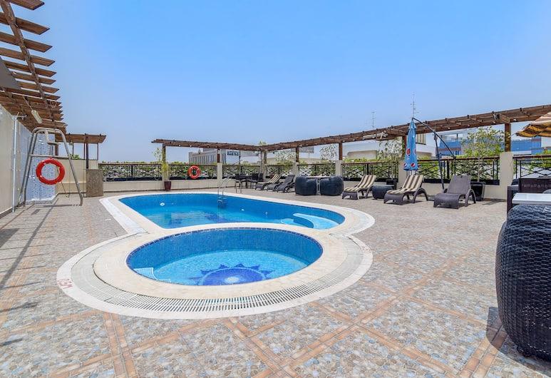 Capital O 246 Landmark Summit Hotel, Dubajus, Baseinas