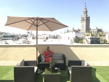 Picture of Q&Q Cathedral Suites Sevilla in Seville