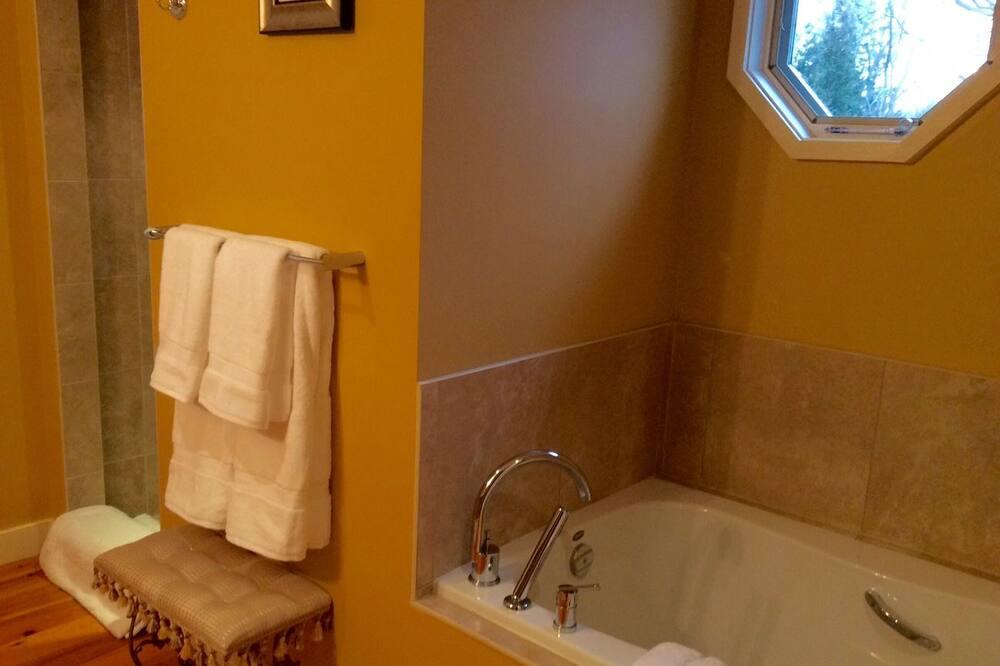 ห้องดีลักซ์สวีท (James Bishop) - ห้องน้ำ