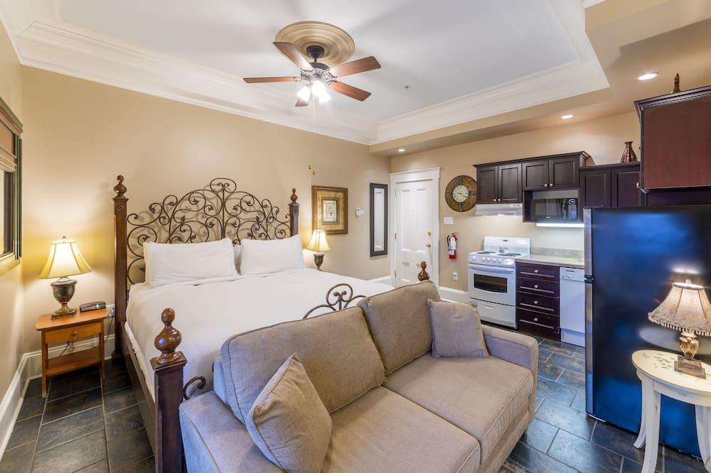 Executive Studio, 1 King Bed - Room