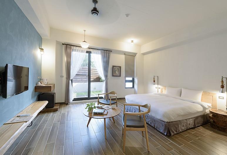 鬆塊民宿, 恆春鎮, 特色雙人房, 1 張特大雙人床, 露台, 地面層, 客房