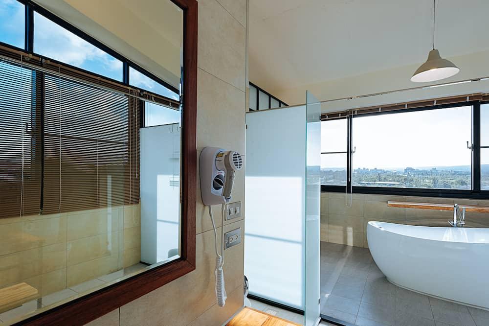 豪華客房, 1 張特大雙人床, 山景, 高層 - 浴室