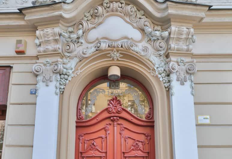Wonderful apartment in Vinohrady, Prag, Ingång till boendet