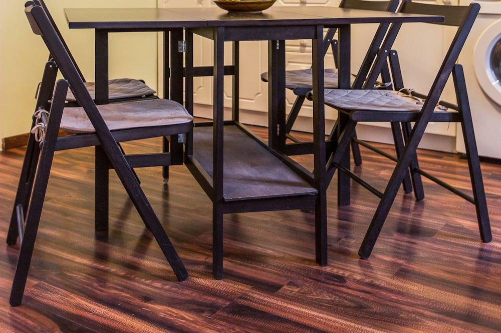 Comfort-studiolejlighed - Spisning på værelset