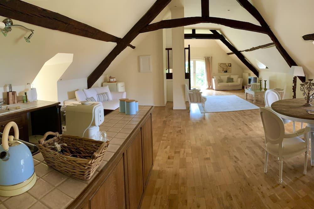 豪華套房, 1 張標準雙人床, 簡易廚房, 河景 - 客廳
