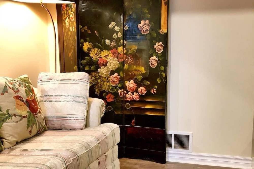 Soba za mladence (Basement Suite) - Dnevni boravak