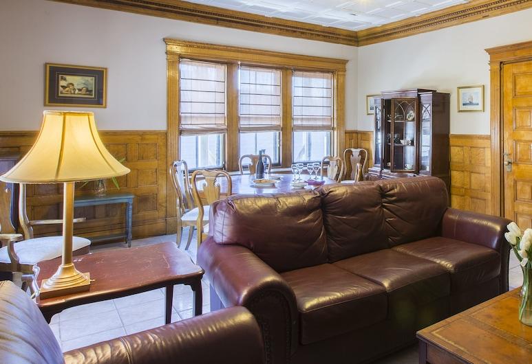 Chipman Hill Suites on Mecklenburg, Saint John, Deluxe Suite, 2 Bedrooms, Living Room