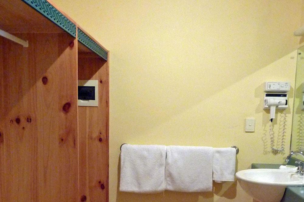 Habitación doble de lujo, bañera de hidromasaje - Baño