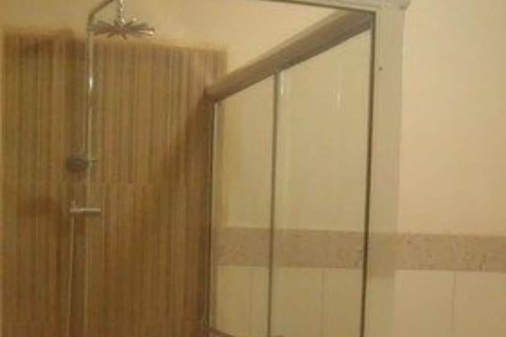 חדר, מיטת קינג - חדר רחצה