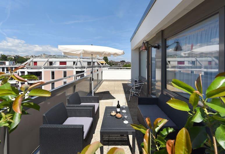 Home Swiss Hotel, Genf, Deluxe kahetuba, kööginurgaga (terrace), Terrass