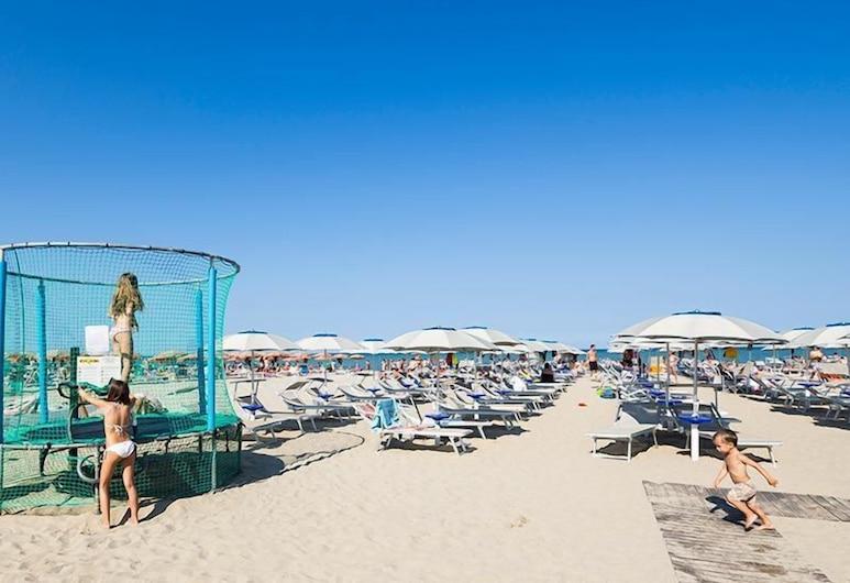 Hotel Mocambo, Cervia, Beach