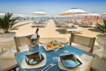 Enter your dates to get the best Cervia hotel deal