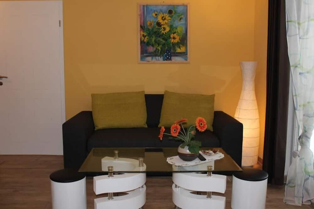 Exclusive Apartment, 1 Bedroom, Accessible, Resort View - Living Room