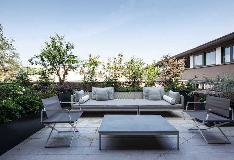 Fifty House Cellini, Mailand, Penthouse, zum Garten hin (Roof), Terrasse/Patio
