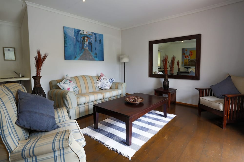Deluxe Room (Deluxe Suite) - Living Area