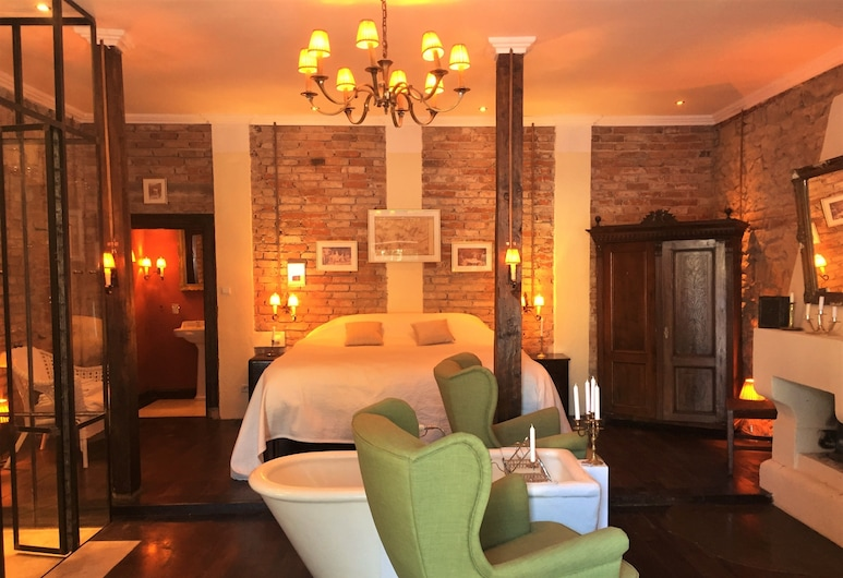 ذا ماشين هاوس, زابالا, غرفة سوبيريور مزدوجة - سرير ملكي - بمدفأة, غرفة نزلاء