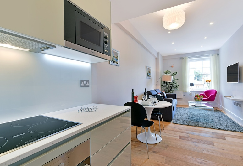 Swiss Cottage Two, London, Luxury Apartment, 1 Bedroom, Living Area