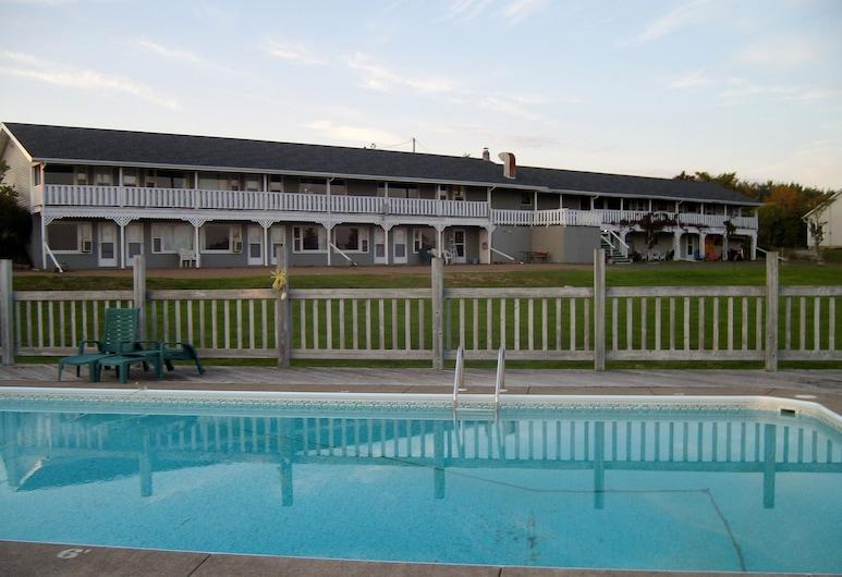 Singing Sands Inn Motel, Souris, Outdoor Pool
