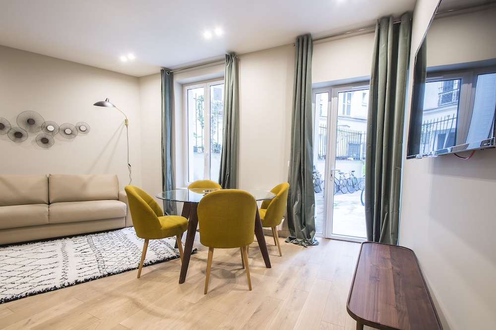 Luxury Apartment In Paris   République, Paris, Apartment, 2 Bedrooms, Guest  Room