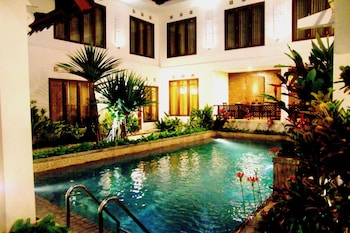 Picture of Hotel Gradia 2 in Batu